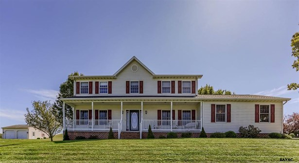 Colonial, Residential/Farms - Hanover, PA (photo 1)