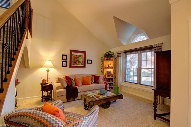 Colonial, Transitional, Single Family - Hampton, VA (photo 4)