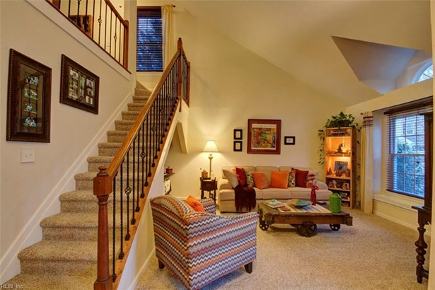 Colonial, Transitional, Single Family - Hampton, VA (photo 5)