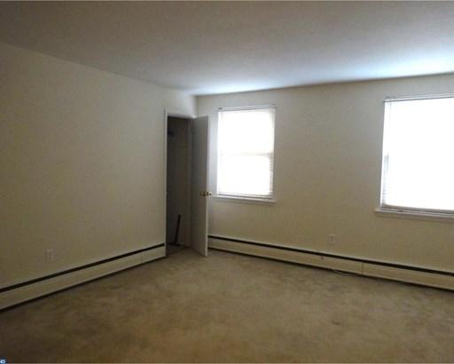 Unit/Flat, Duplex - ORELAND, PA (photo 4)
