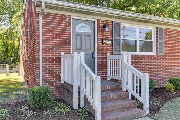 Ranch, Single Family - Newport News, VA (photo 4)