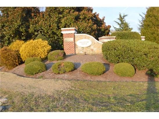 Condo/Townhouse, Rowhouse/Townhouse - Deltaville, VA (photo 2)
