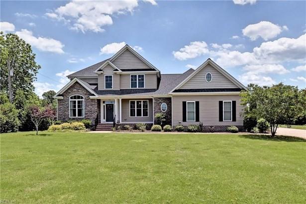 Farmhouse, Single Family - York County, VA