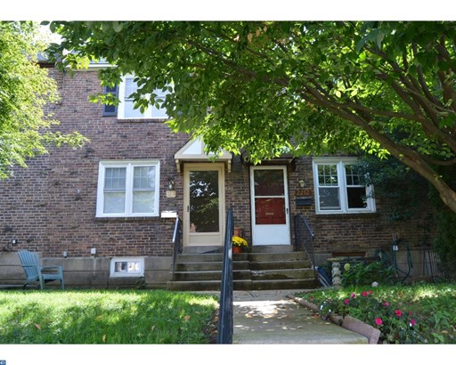Colonial, Row/Townhouse/Cluster - UPPER DARBY, PA (photo 1)