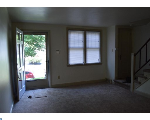 Colonial, Row/Townhouse/Cluster - UPPER DARBY, PA (photo 4)