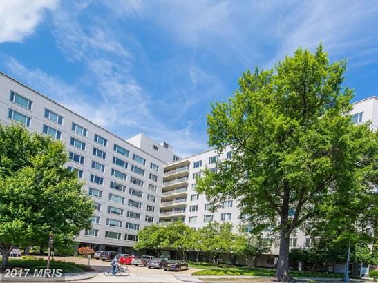 Mid-Rise 5-8 Floors, Contemporary - WASHINGTON, DC (photo 1)