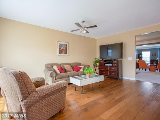 Transitional, Townhouse - WOODBRIDGE, VA (photo 4)