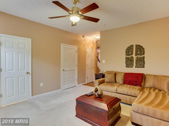 Townhouse, Contemporary - WHITE PLAINS, MD (photo 4)