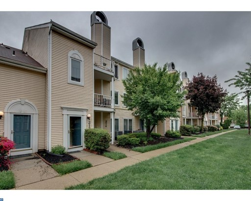 Row/Townhouse, Colonial - LEVITTOWN, PA (photo 3)
