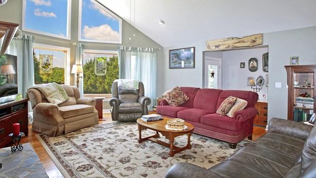 Residential, Contemporary - Huddleston, VA (photo 3)