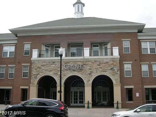 Garden 1-4 Floors, Contemporary - ARLINGTON, VA (photo 1)