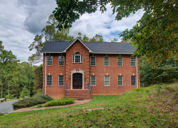 Residential, Colonial - Troutville, VA (photo 1)