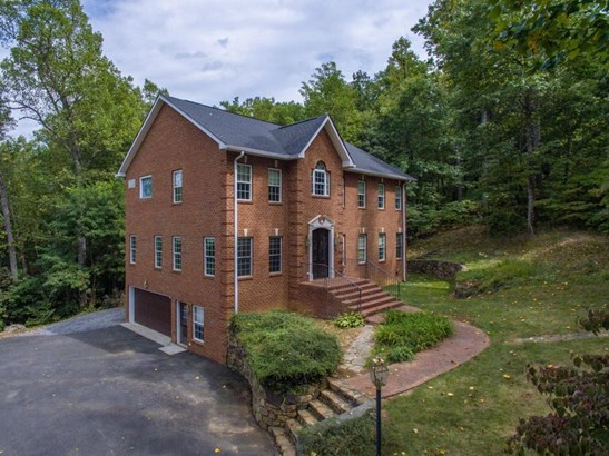 Residential, Colonial - Troutville, VA (photo 4)