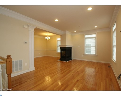 Colonial, Row/Townhouse/Cluster - WEST CHESTER BORO, PA (photo 4)