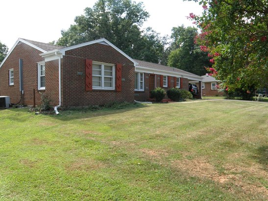 Single Family Residence, Ranch - Madison Heights, VA (photo 5)