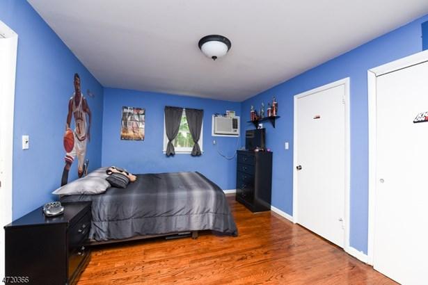 Residential, Colonial - Jamesburg Boro, NJ (photo 5)