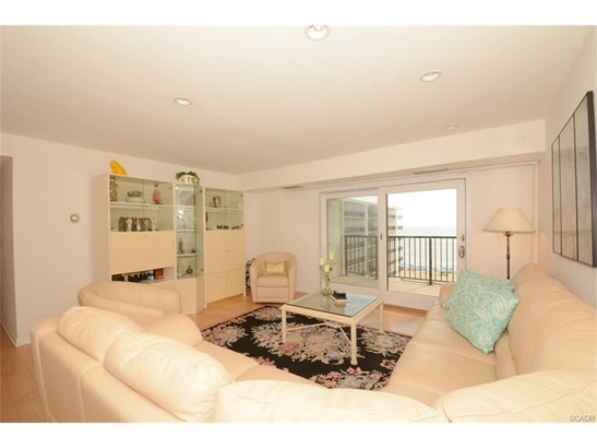 Condo/Townhouse, Flat/Apartment - Rehoboth Beach, DE (photo 3)