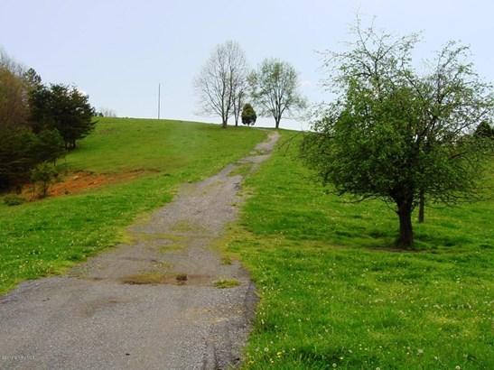Land - Pearisburg, VA (photo 5)