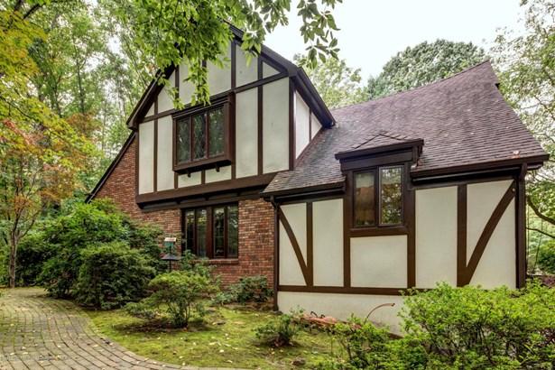 Tudor, Single Family - Holmdel, NJ (photo 2)