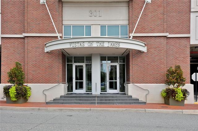 Condo/Townhouse, Contemporary, Hi-Rise - Richmond, VA