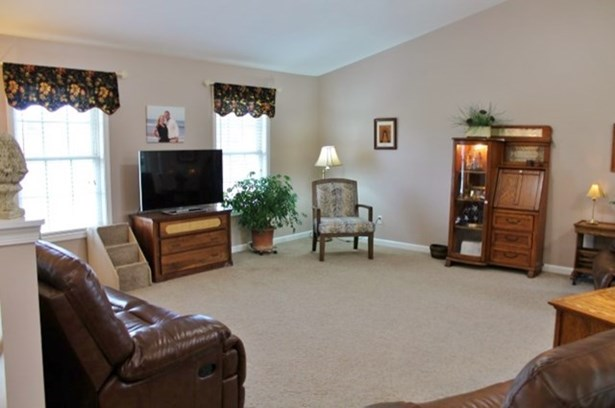 Split Level, Single Family - Brookneal, VA (photo 3)