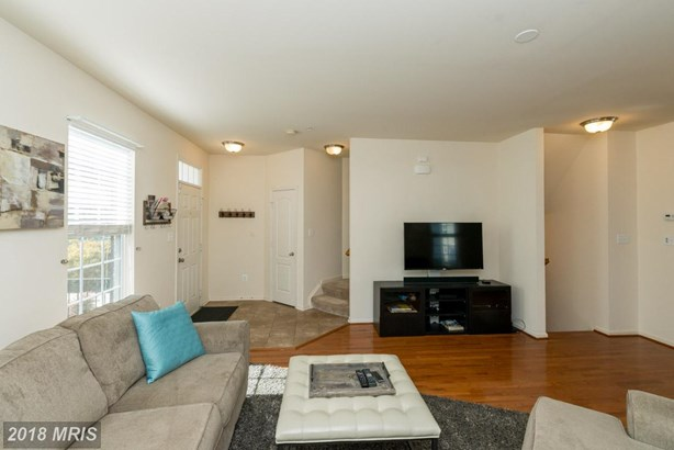 Townhouse, Contemporary - LAUREL, MD (photo 3)
