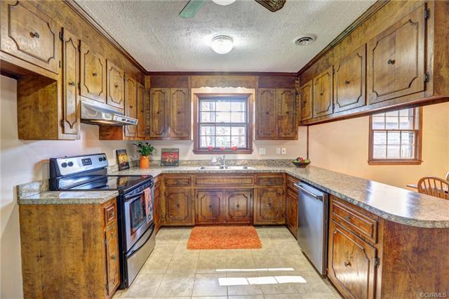 Custom, Ranch, Single Family - Hopewell, VA (photo 3)