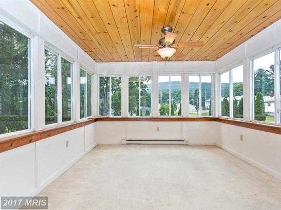 Split Foyer, Detached - THURMONT, MD (photo 5)