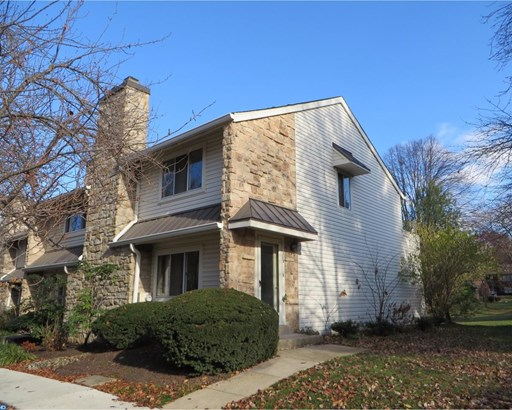 Traditional,EndUnit/Row, Row/Townhouse/Cluster - CHESTERBROOK, PA (photo 1)