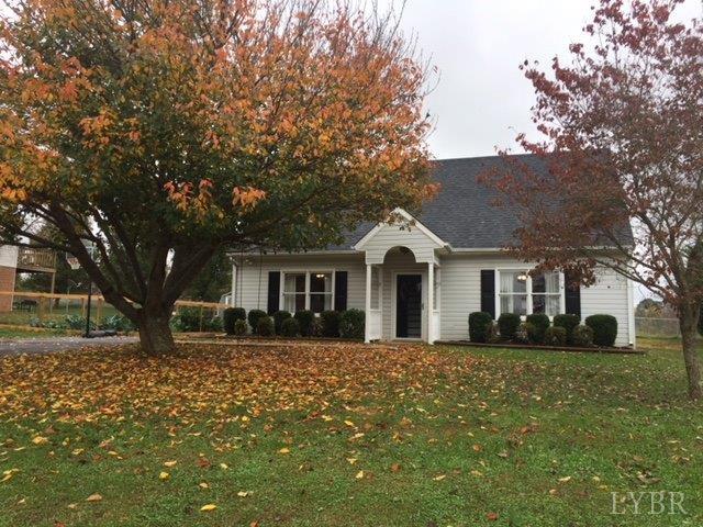 Cape Cod, Single Family Residence - Evington, VA (photo 3)