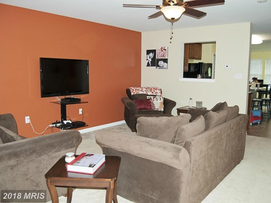 Townhouse, Colonial - MARTINSBURG, WV (photo 5)