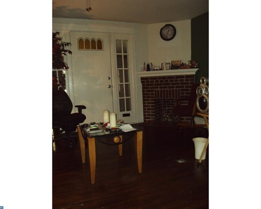 Row/Townhouse, StraightThru - PHILADELPHIA, PA (photo 3)
