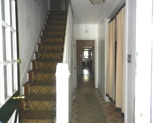 Semi-Detached, Colonial,StraightThru - SHARON HILL, PA (photo 4)