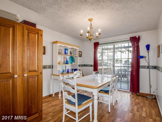 Colonial, Attach/Row Hse - ROCKVILLE, MD (photo 4)