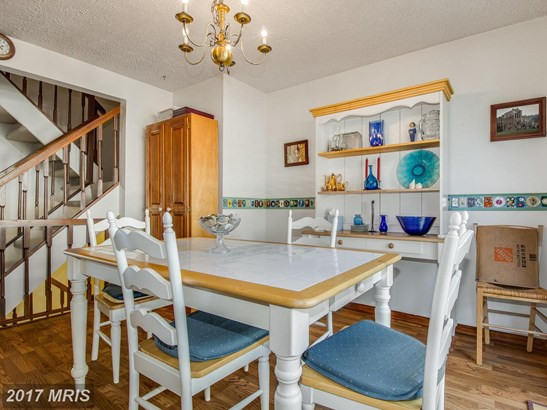 Colonial, Attach/Row Hse - ROCKVILLE, MD (photo 5)