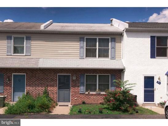 Townhouse, Row/Townhouse - ASTON, PA