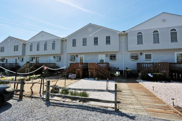 Townhouse,Beach House, Single Family - Chincoteague, VA (photo 1)