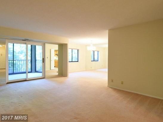 Hi-Rise 9+ Floors, Traditional - ALEXANDRIA, VA (photo 4)