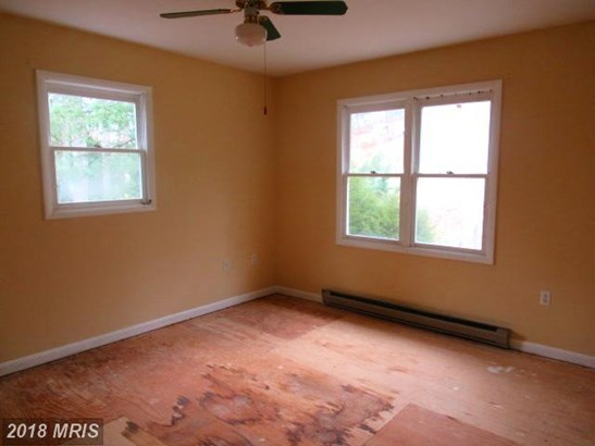 Split Foyer, Detached - LUSBY, MD (photo 2)
