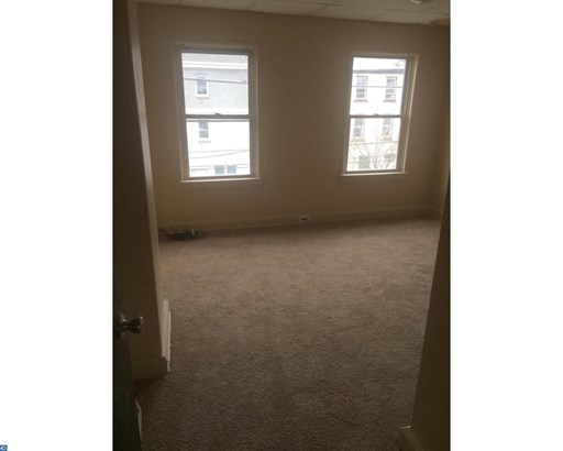Row/Townhouse, Colonial - NORRISTOWN, PA (photo 5)
