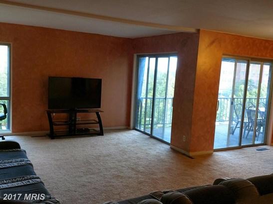 Garden 1-4 Floors, Contemporary - PIKESVILLE, MD (photo 3)