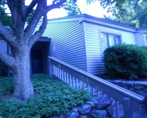 Row/Townhouse, Contemporary,EndUnit/Row - WEST CHESTER, PA (photo 2)