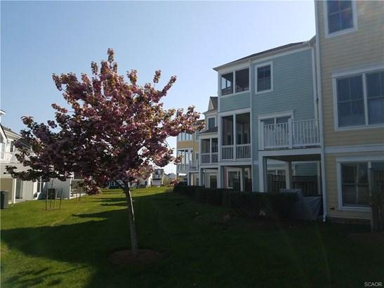 Condo/Townhouse, Coastal, Contemporary - Millsboro, DE (photo 2)
