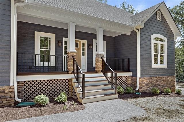 Cottage/Bungalow, Craftsman, Single Family - Louisa, VA (photo 5)