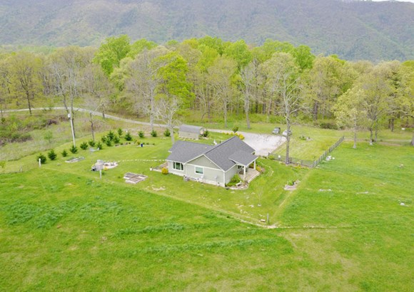 Residential, Ranch - Catawba, VA (photo 5)