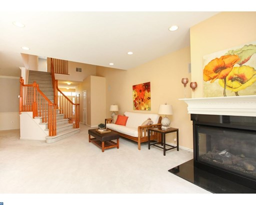 Row/Townhouse, Contemporary - WESTAMPTON, NJ (photo 5)