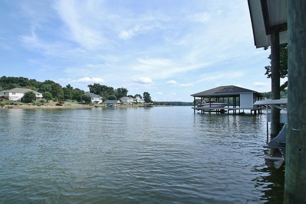 Residential, Contemporary - Wirtz, VA (photo 4)