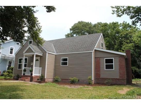 Transitional, Townhouse/Condo - Hampton, VA (photo 1)
