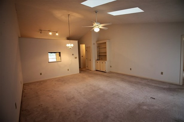 Residential, Townhouse/Condo - South Hill, VA (photo 3)