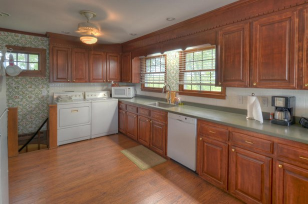 Residential, Colonial - Draper, VA (photo 4)